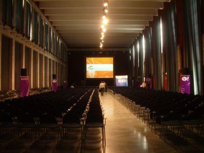 La sala plenaria prima dell'inizio dei lavori